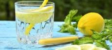 На минеральной и лимонной воде