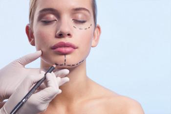 Коррекция лицевых контуров  способом липосакции