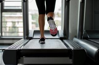 Выбираем лучшие тренажеры для похудения живота и боков