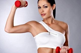 От TRX до пилатеса: самые эффективные групповые тренировки для похудения — разбираем с экспертом
